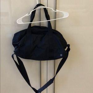 Lulu Lemon barrel gym bag